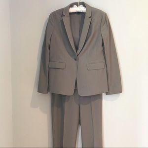 Ann Taylor Suit Greige Pants Size 0, Jacket 4P